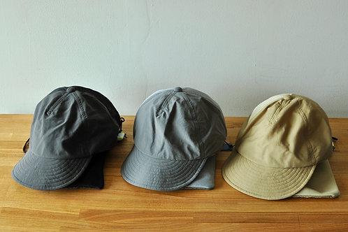 左からBlack、L.grey、Khaki