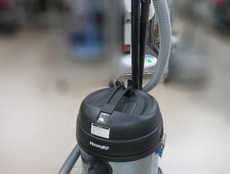 あると便利な業務用乾湿両式掃除機