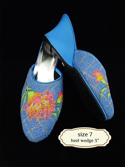 Covered Flower Blue Beaded Shoe. size 7or Eur 37