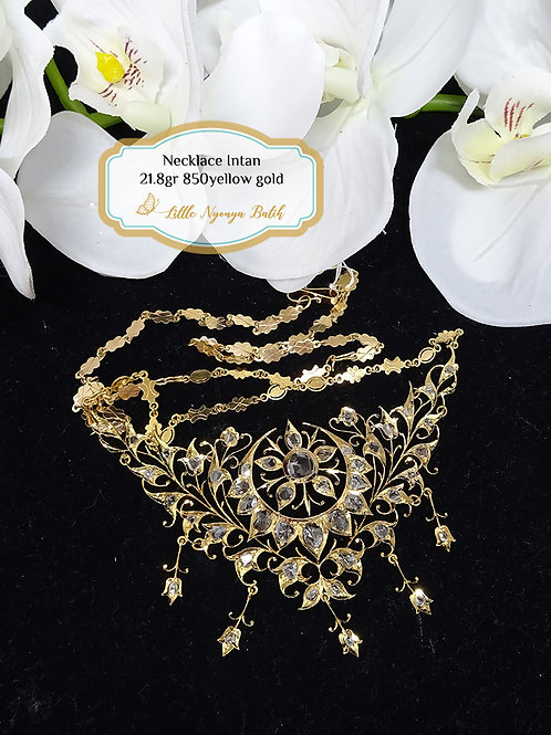 Vintage: Floral Gold necklace Intan in 850gold