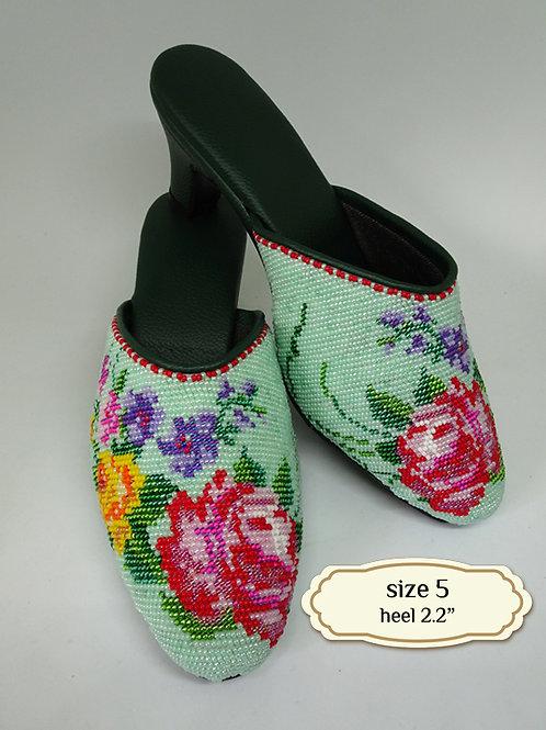 Covered Flower on Mint Green Beaded Shoe. size 5 / Eur 35 / 23cm