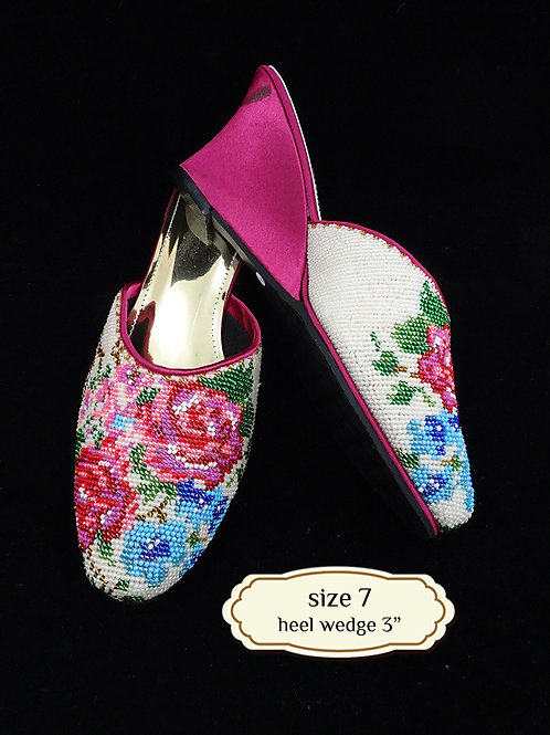 Covered Flower on Roses Pink Beaded Shoe. size 7 or Eur 37