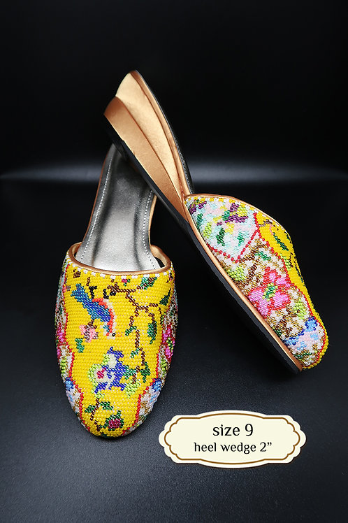 Covered Bird on Yellow Beaded Shoe. size 9 / Eur 39 / 26cm