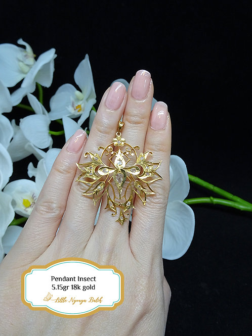 Vintage: Pendant with intan. Butterfly shape 18k