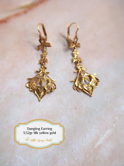 Vintage: Chandelier earring with intan 18k gold