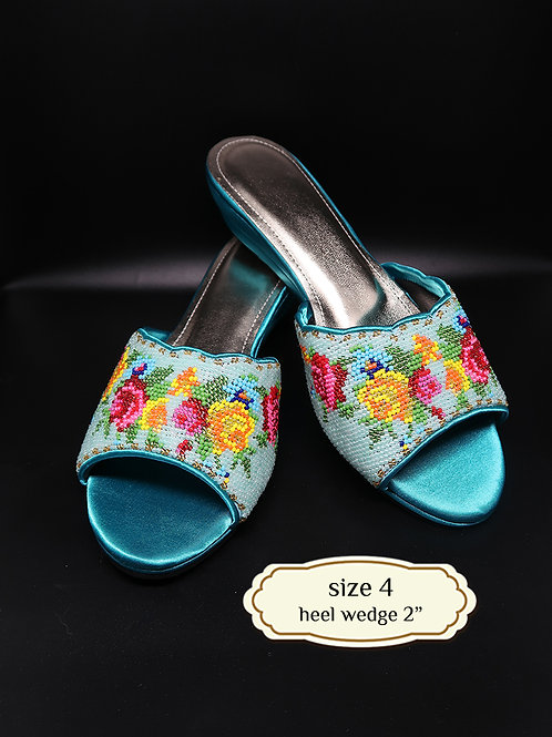Flower on Turquoise Beaded Shoe. size 4 or Eur 35