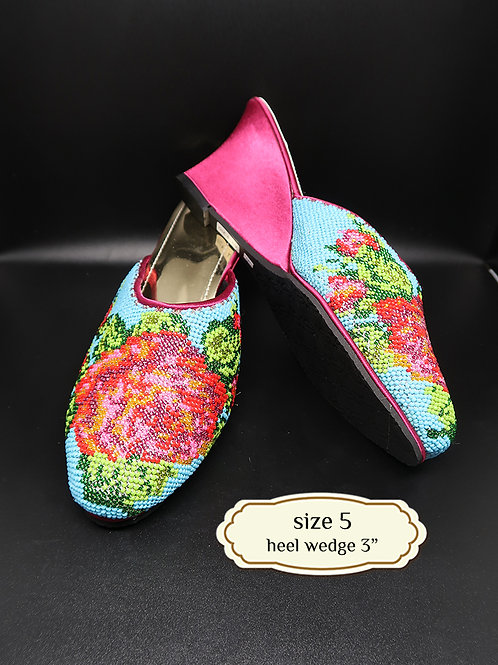 Covered Roses on SkyBlue Beaded Shoe. size 5 or Eur 35