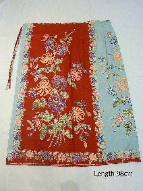String: Light Blue-Red Chrysanthemum