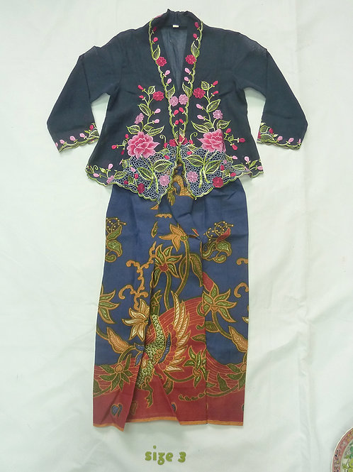 size 3 (3 yo). Pink Flower on Navy Kebaya