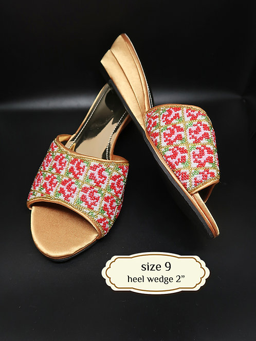 Roses on Gold Bead Shoe. size 9 or 40