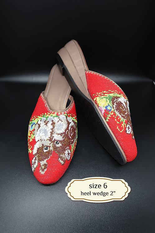 Cover Rabbit Micro Beaded Shoe. size 6 or 36