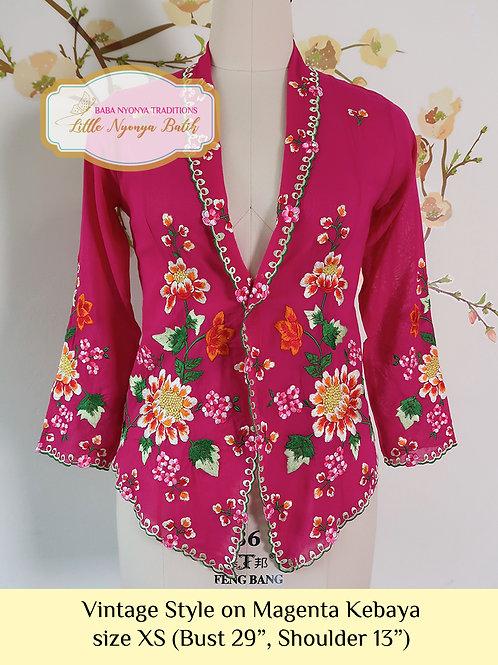 Size XS H: Vintage Style in Magenta Kebaya