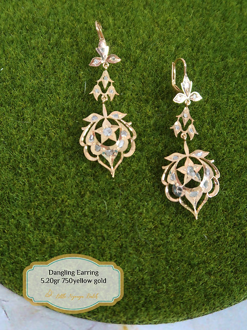 Vintage: Dangling earring with intan 18k gold