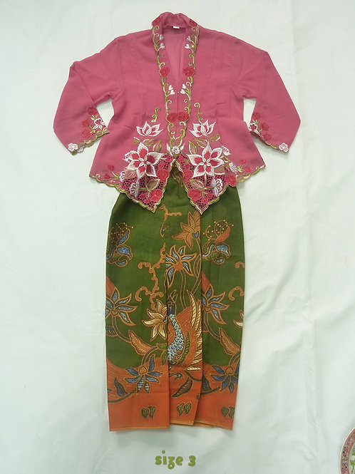 size 3 (3 yo). Pink White Flower on Pink Kebaya B