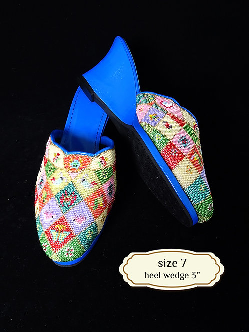 Cover Animal Geometric Micro Beaded Shoe. size 7 or 37