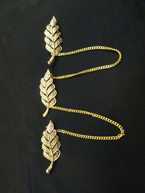 Kerosang Gold Leaf with Clasp closure