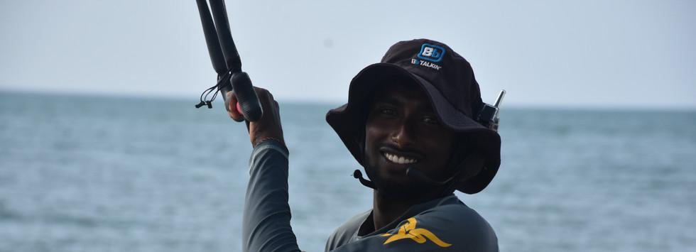 Kite lessons in Sri Lanka with walkie talkie