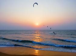 Sundowner kite session Kappalady Sri Lanka