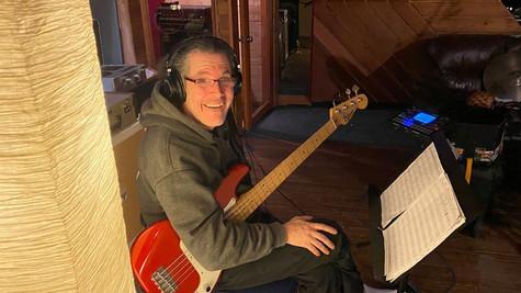 Bassiste Humbert Medeiros