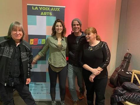 Chantal et JJ avec le duo « Monde à Part » de Whitehorse au Yukon : Caroline Robitaille et Sylvain-Henri Simard