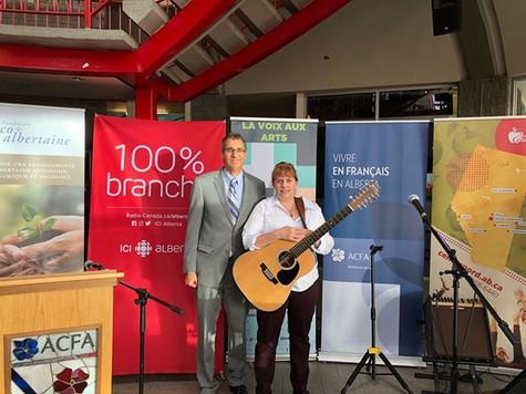 Joël Lavoie, Directeur général de la fondation Franco-Albertaine avec Chantal Marie