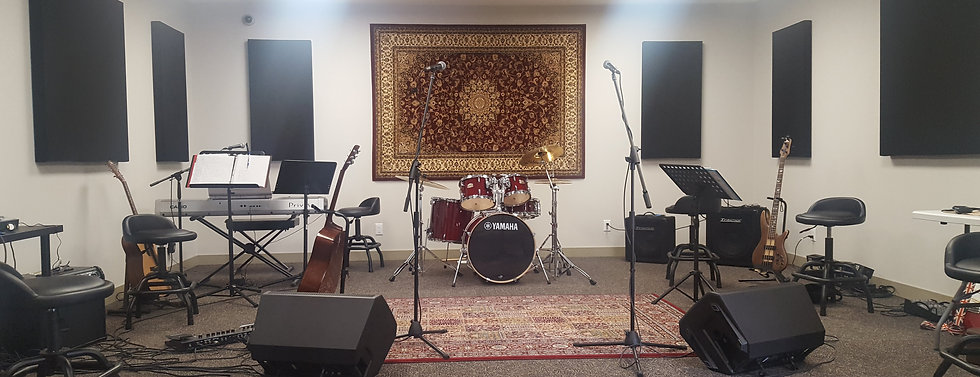 Well equipped music rehearsal room