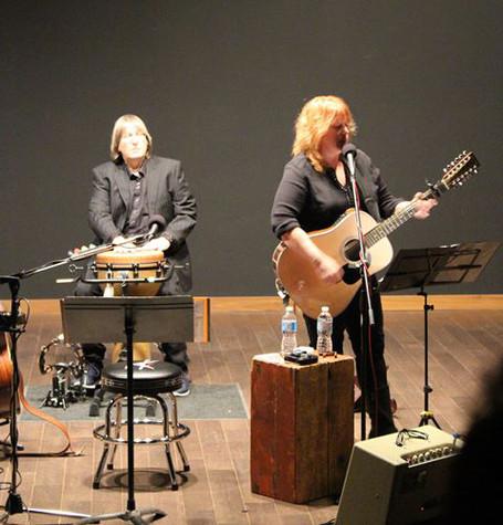 Jeff 'JJ' Lisk - batteur, et Chantal Marie, Cardel Theatre, Calgary, AB