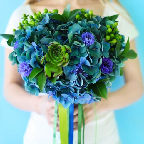 blue-and-green-hydrangea-bouquet-001.jpg