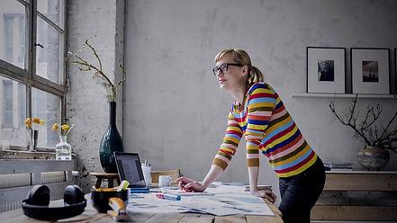 4_prácticas_creativas_trabajo_remoto_Mes