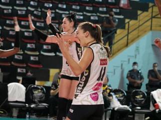 Dentil/Praia Clube vence Sesi Vôlei Bauru e encerra ano com vitória