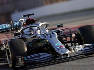 Lewis Hamilton se empolga com testes, a ponto de treinar até pneus acabarem