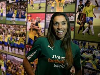 Jogadora Marta obtém nacionalidade sueca