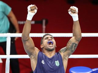 Abner Teixeira garante bronze no boxe ao avançar à semi em Tóquio