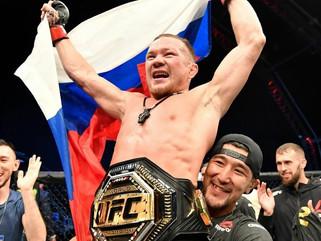 Petr Yan vence José Aldo por nocaute e conquista cinturão dos galos no UFC 251