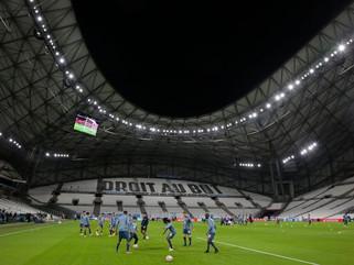 Olympique de Marseille oferece estádio para vacinação contra covid-19
