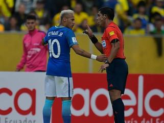 Fifa pode permitir que apenas capitães falem com árbitro