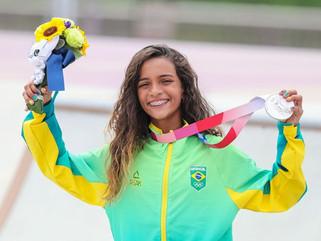 Rayssa Leal, a Fadinha, ganha prata no skate street em Tóquio 2020