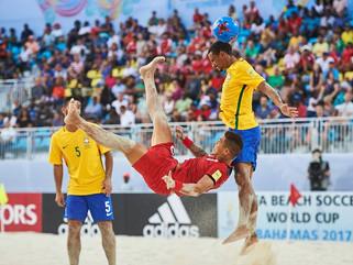 Brasil estreia com vitória na Copa do Mundo de Futebol de Areia