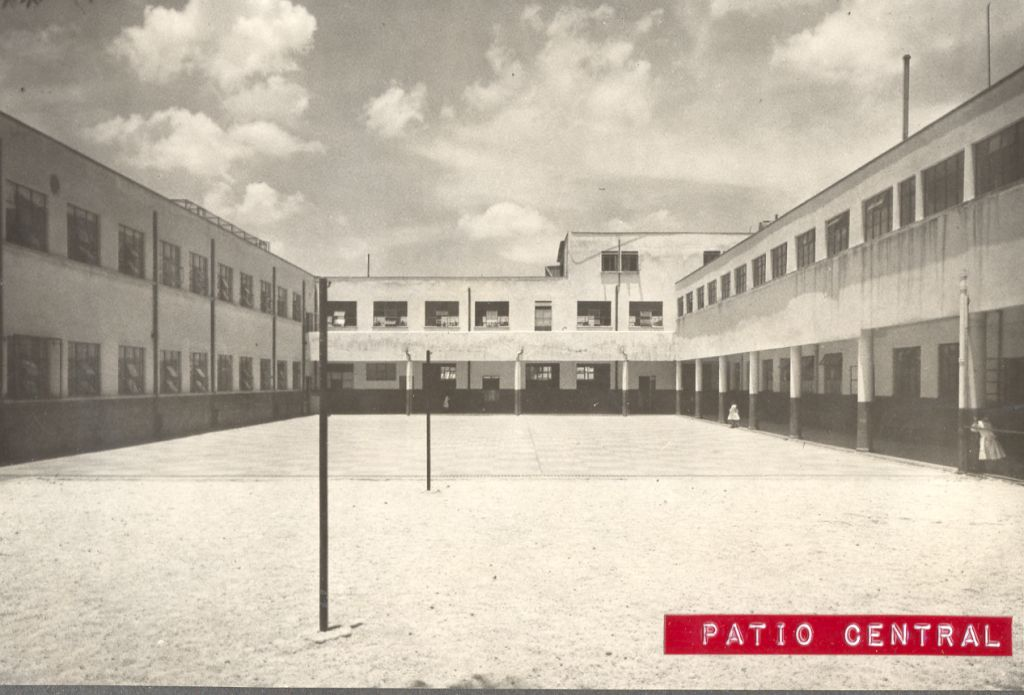 Patio central La Florida 1950