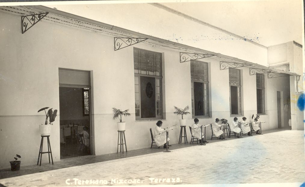 C Teresiano Mixcoac-terraza