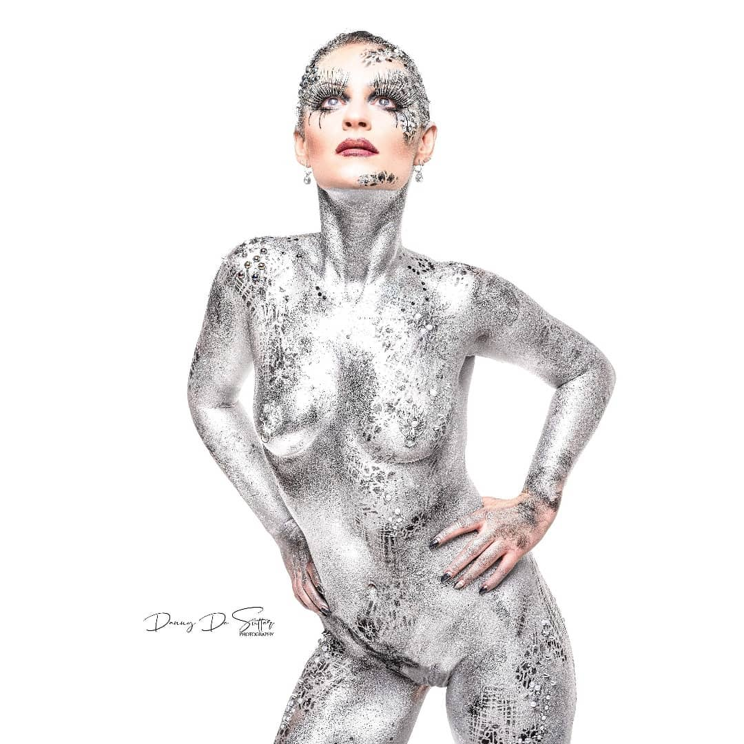 Silver glam bodypaint