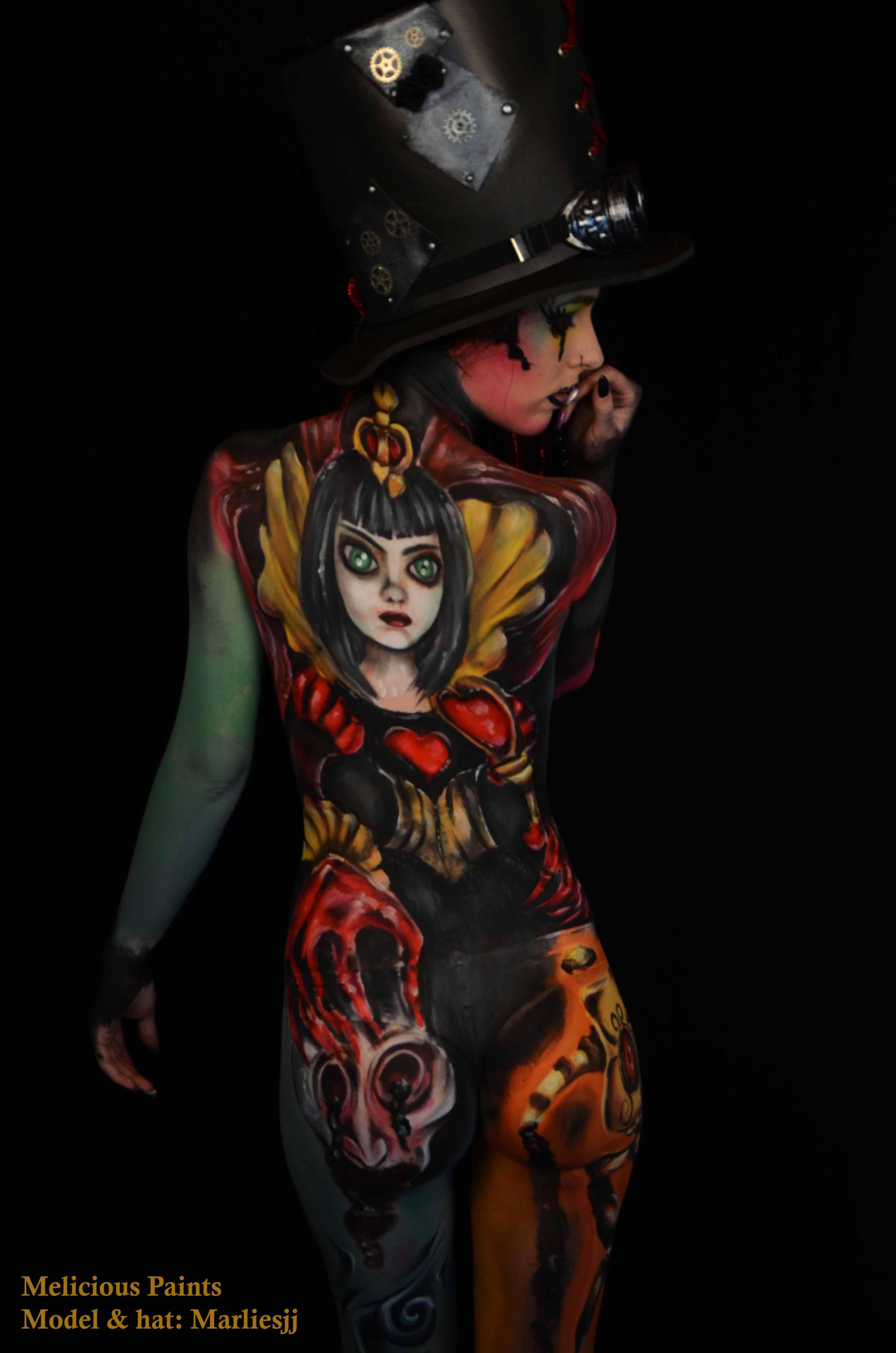 bodypaint Halloween Alice in Wonderland gaming