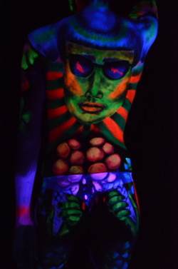 fluo UV body paint