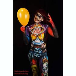 bodypaint Halloween IT scary movie Georgie clown