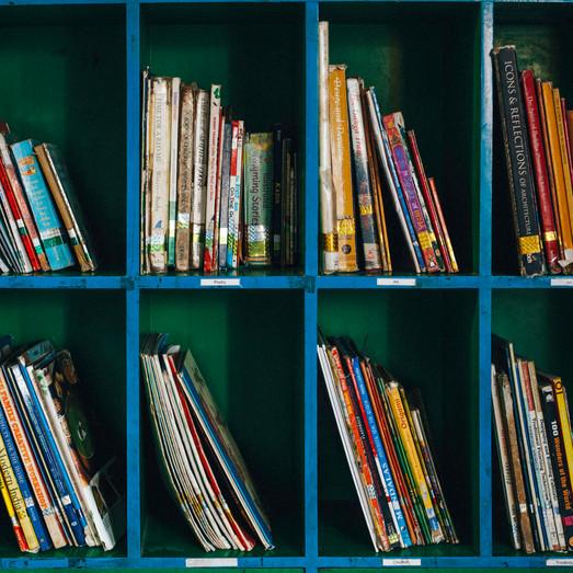 Books Shelf - Photography by Pooja Barhdwaj.