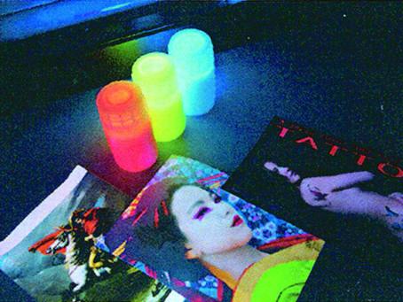 箔押し・偽造防止印刷・ブラックライト印刷など様々な特殊印刷に対応