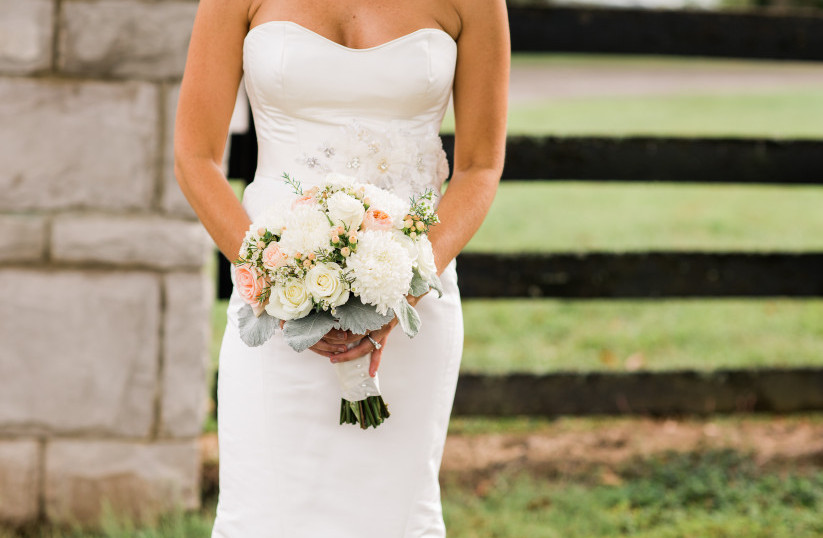 Need a Last Minute Wedding Dress? Read This.