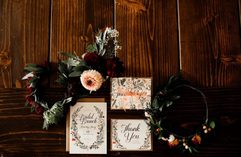 The Bridal Shower Invitation Etiquette You Need to Know