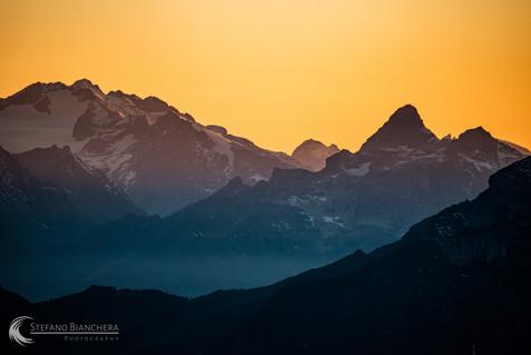 Bergpanorama nach Sonnenuntergang