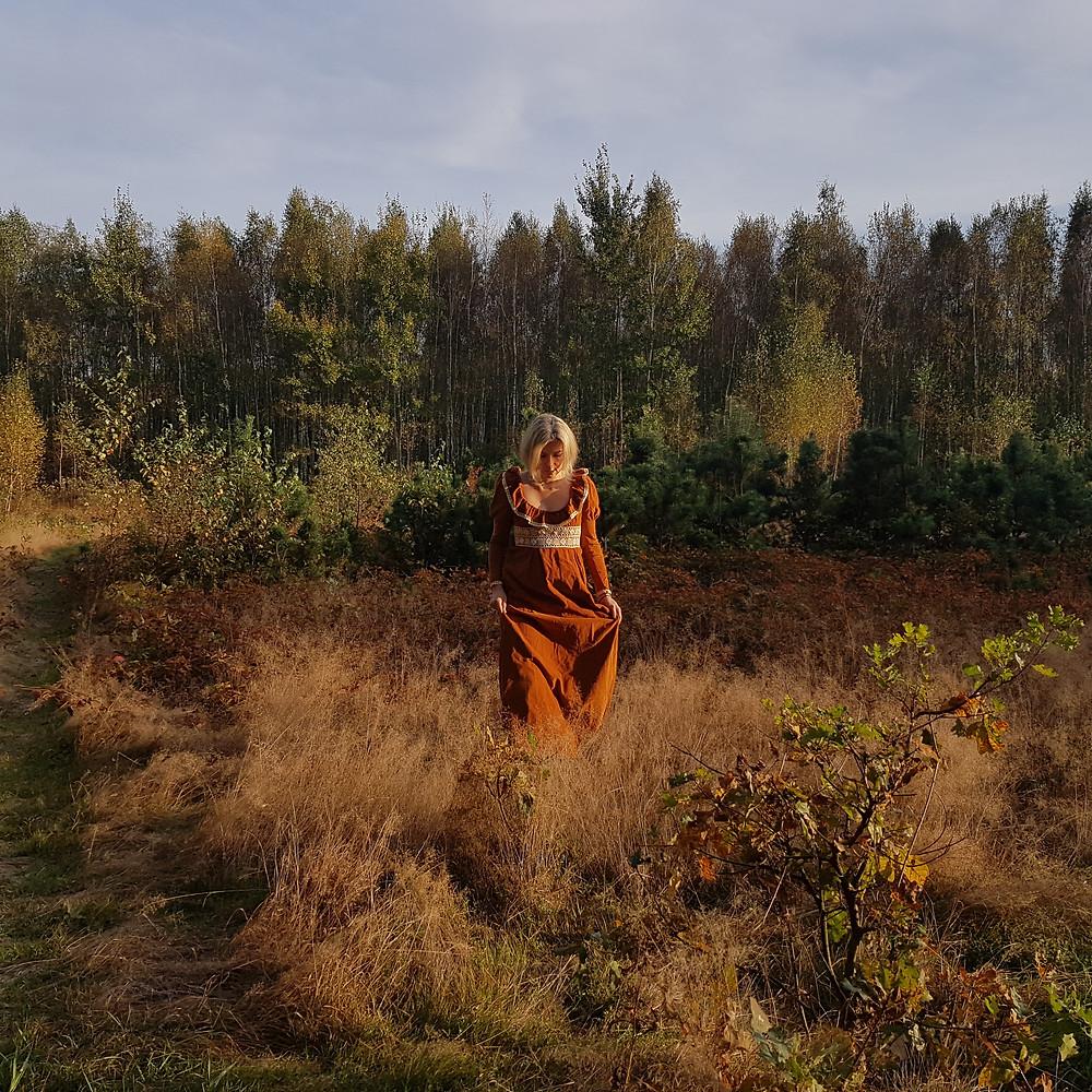 kobieta lasu